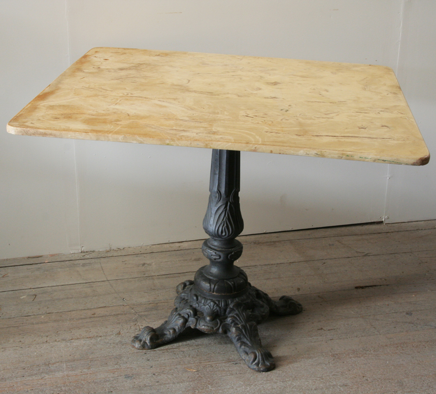 french stone and cast iron table de jardin haunt. Black Bedroom Furniture Sets. Home Design Ideas