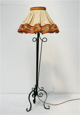 Belle époque standard lamp